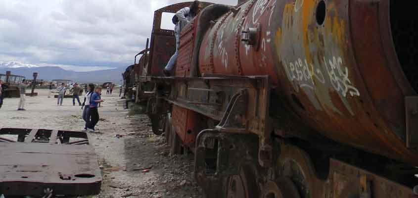 cementerio de trenes | SALAR DE UYUNI