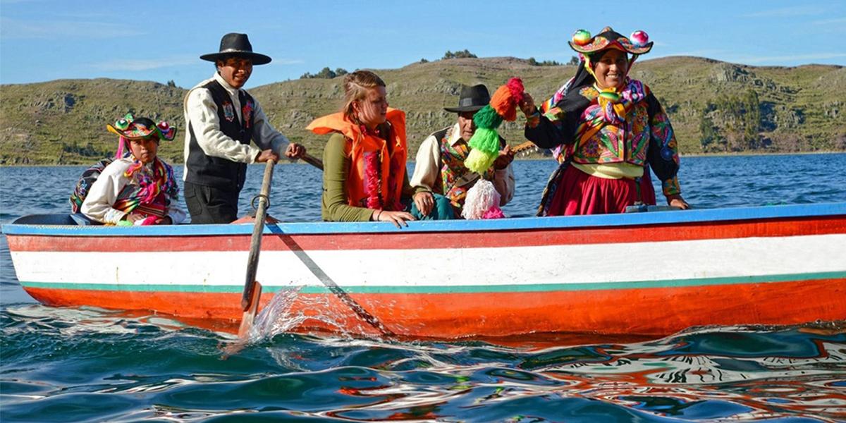 Turismo Vivencial en el Lago Titicaca de Puno por Semana Santa con Inca's Paradise