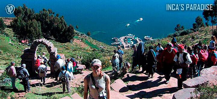 Laguna Colorada Salar de Uyuni desde Lago Titicaca en Semana Santa